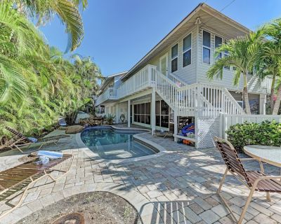 West OF Gulf Drive - Two Bedroom Duplex With Heated Pool - Holmes Beach
