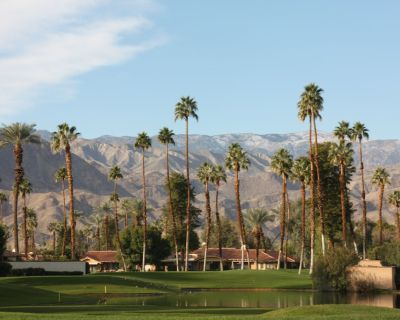 Beautifully remodeled with south/west views. Rents weekend, weekly or monthly. - Palm Desert