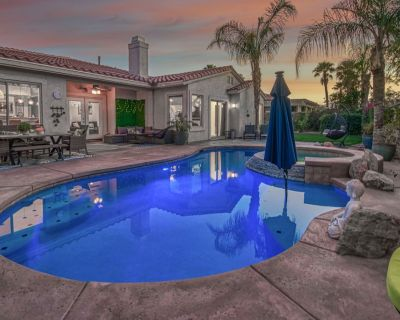 Completely Remodeled Stunner! 4 Bedrooms, 3 Bath and Private Pool and Spa - Sonrisa