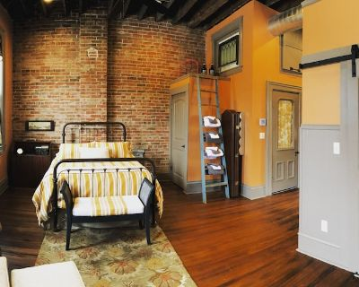 The Loft on the Square - Petersburg