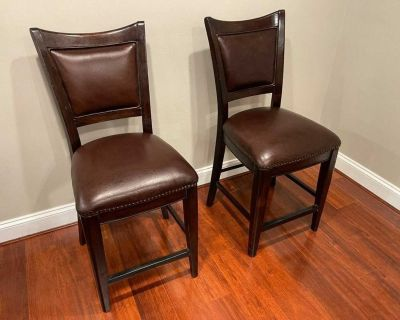 Set Of 2 Leather Brown Chairs