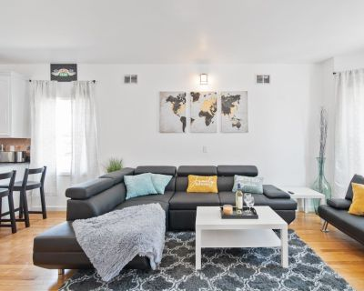 Ultra Modern Home King Bed Close to NYC Netflix - West Side