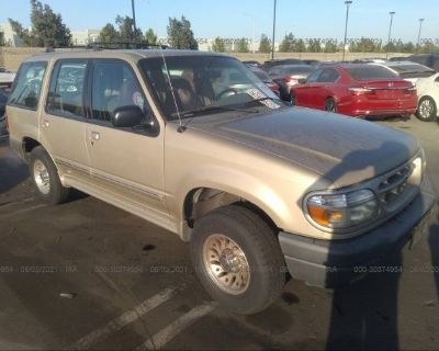 Salvage Gold 2000 Ford Explorer