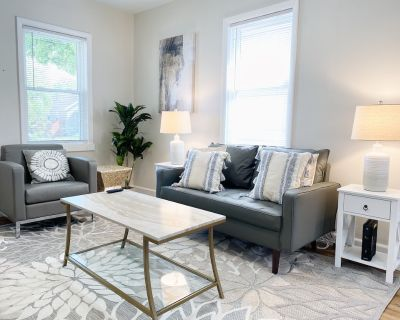 Gorgeous+Modern 2BR Home   Close to Everything - Dayton