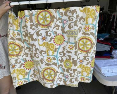 Cafe curtains - set of 2 panels