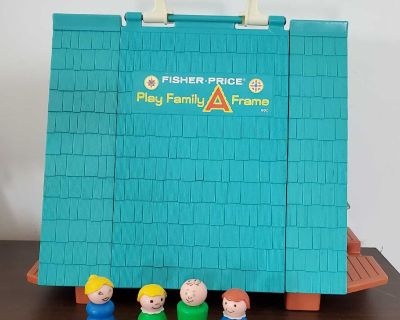 Vintage Fisher Price Play Family A Frame with 4 people