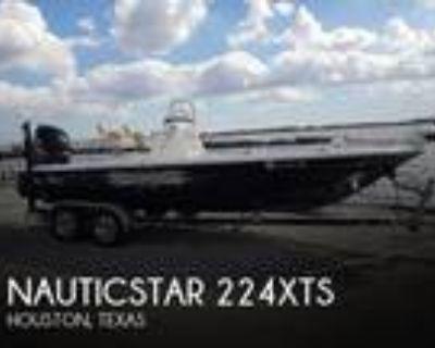 22 foot NauticStar 224xts