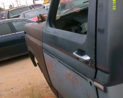 1985 Ford F-100 Drivers Side Door (PARTING OUT)