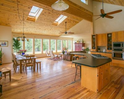Mountain Moon Guesthouse 10 Miles NW of Boulder!! Reopened and Back in Business! - Jamestown