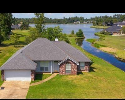 Beautiful Lake House - Shreveport