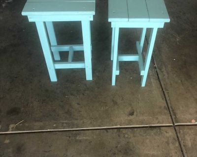 2 small wooden side tables