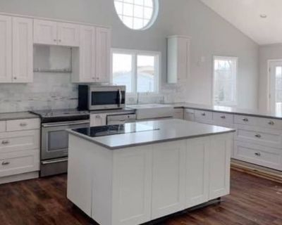Private room with shared bathroom - Merrick , NY 11566