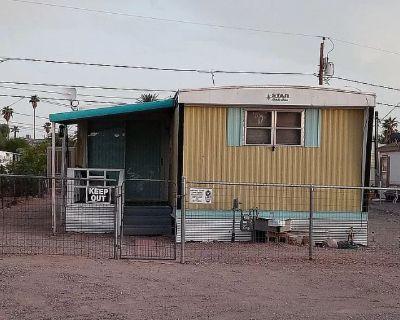 Private room with shared bathroom - Bullhead City , AZ 86442