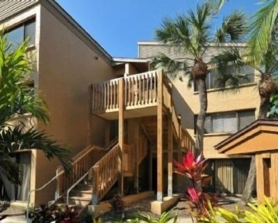 Firethorn 313 - 2 Bedroom Condo with Private Beach with lounge chairs & umbrella provided, 2 Pool... - Siesta Key