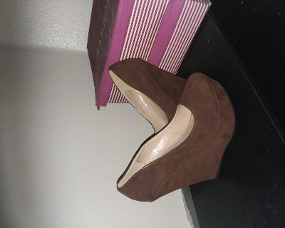 Brown size 8