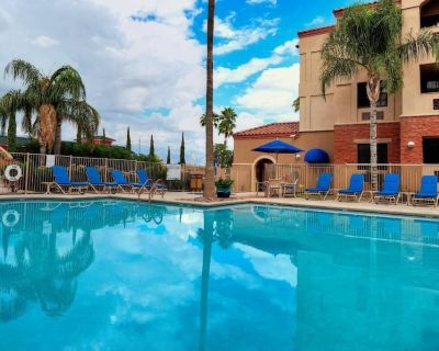 3 Spacious 2BR Units for Large Groups, Kitchen, Pool - Palo Verde