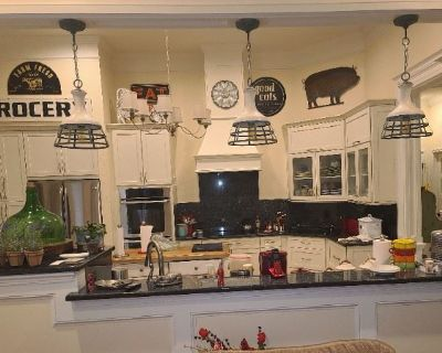 SWEETWATER COUNTRY CLUB DECORATOR ESTATE SALE