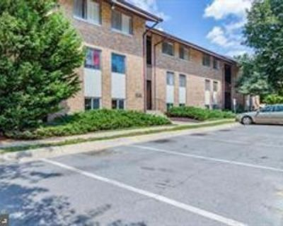 18717 Walkers Choice Rd, Montgomery Village, MD 20886 2 Bedroom Apartment