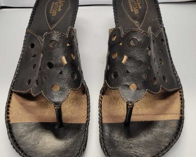 EUC Clarks Slide-on Sandals; size 12M