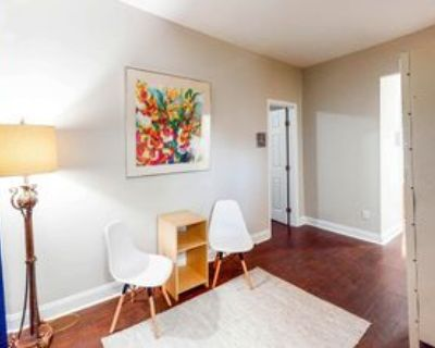 Room for Rent - Vine City- Walk to MARTA and Beltl, Atlanta, GA 30314 2 Bedroom House