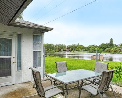 Vacation home by Shasta Rd - Venice Gardens