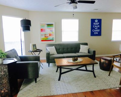 Live like a local in private 3-Bdrm home. Easy access to DT ATL by car or train - Edgewood