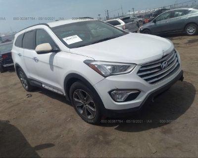 Salvage White 2013 Hyundai Santa Fe