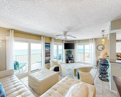 Fourth Floor Condo with Shared Pool, Ocean View, and Fast WiFi - Snowbirds OK! - Madeira Beach
