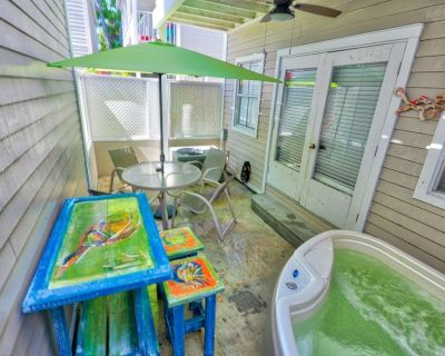 ARTIST'S HOUSE @ Duval Square by Rent Key West Vacations - Located on Duval - Uptown - Upper Duval