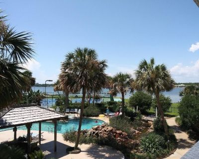 Gulf Shores Surf & Racquet ~ REMODELED ~ Free WiFi ~ SMART TV, Style + Comfort - Gulf Shores
