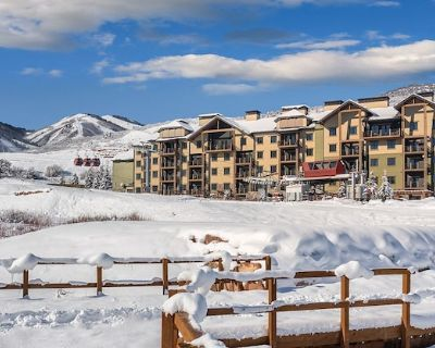 Beautiful1 BR Presidential Reserve - Walk out of resort, get on ski lift - Park City
