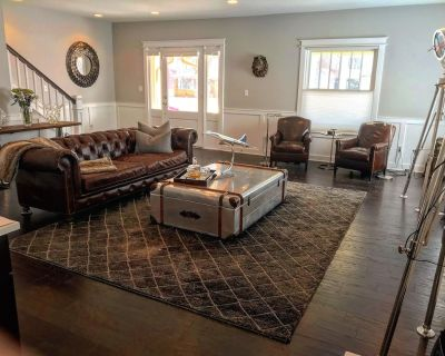 Luxury Downtown Home - Fall Creek Place