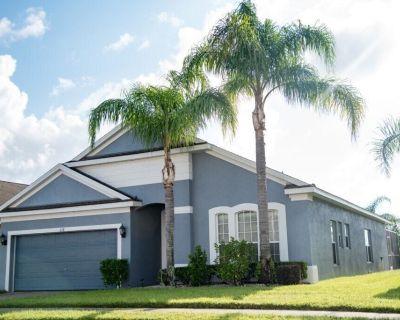 Luxury 4 Bedroom, 2 Master En Suites, 31/2 Bath Pool Home with Spa Orlando Florida. Free WiFi - Vizcay