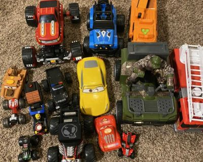 Huge lot of cars, fire truck, and construction truck barely played with lol