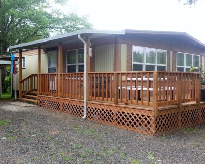 Family, Pet and Fisherman Friendly Get-Away - Five minutes from everything! - Grayland