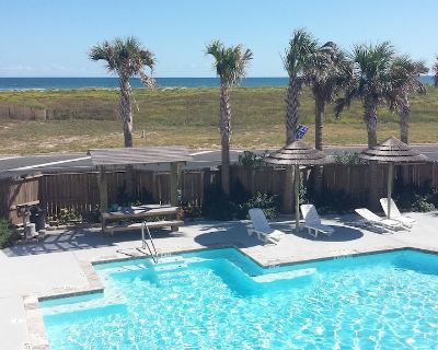 """""""Sand Angel"""" is Poolside and Across the Street From the Beach! - Corpus Christi"""