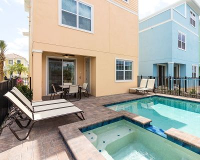 Peaceful Waterfront Paradise - Margaritaville Cottage w/ Private Pool & Spa - Four Corners
