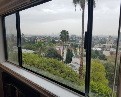 Private Master BDR in a furnished apt in Hills!!