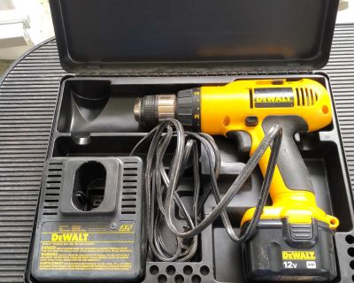 Dewalt 12V Cordless Drill and charger