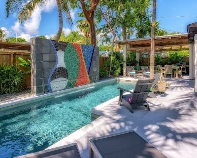 **MIDTOWN MOSAIC @ CASA EAST** Modern Private Home & Pool + LAST KEY SERVICES - Midtown