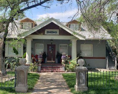 Location! Downtown Historic Home, Unique Decor - Roosevelt