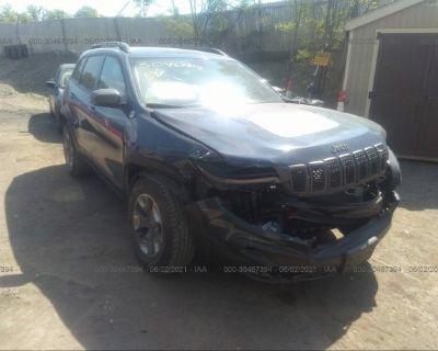 Salvage Blue 2019 Jeep Cherokee