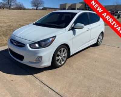 2012 Hyundai Accent SE Hatchback Automatic