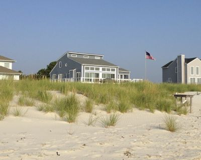 Luxurious Beachfront House - Port Haywood