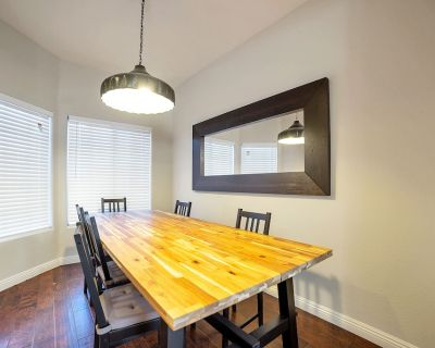 Modern Town House, Near Everything, All new, 3 Patios - North Scottsdale