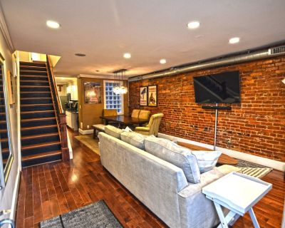 Big House 3 Bedrooms, King Beds, Dupont Circle, Adams Morgan Parking! - Dupont Circle