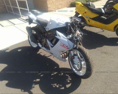 Salvage White 2020 Suzuki Gsx-r600