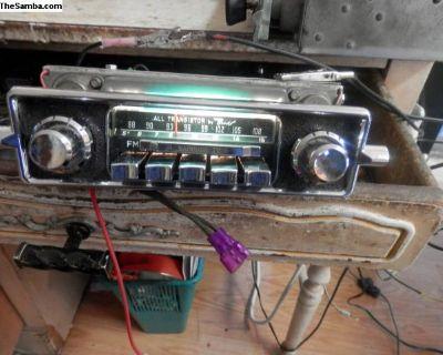 working 1966 am/fm sapphire lV 12 volt vw radio