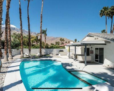 Canary House Remodeled Modern-Day Desert Oasis - Vista Norte