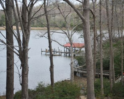 Waterfront Cottage on Scenic Nomini Creek off of the Potomac River - Cople